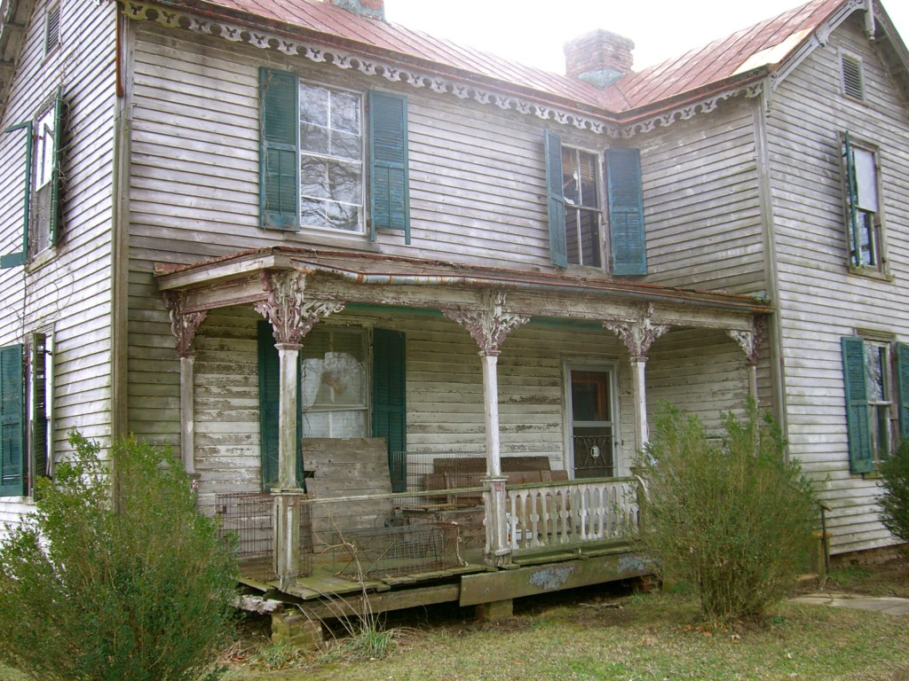 Bass families old farmhouse house porches lov old farms Old country farmhouse