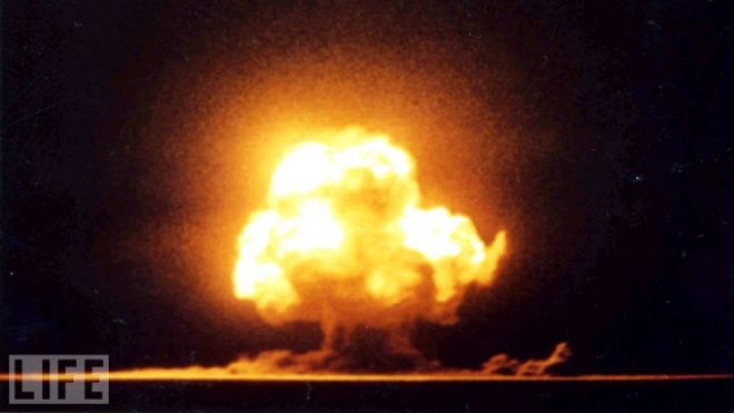 The Trinity Test: Detonation of first atomic bomb, near Alamogordo, New Mexico, 16 July 1945. This marks the transition from the end of the Second World War to the beginning of the global Cold War.