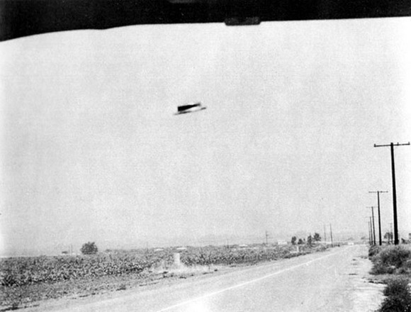 Classic flying saucer image from the Rex Heflin Orange County case in Southern California, 3 August 1965, the same general time period the Bass Family encountered a UFO in Southcentral Virginia. Except their's wasn't saucer shaped. From: http://www.ufoevidence.org/photographs/section/1960s/Photo305.htm