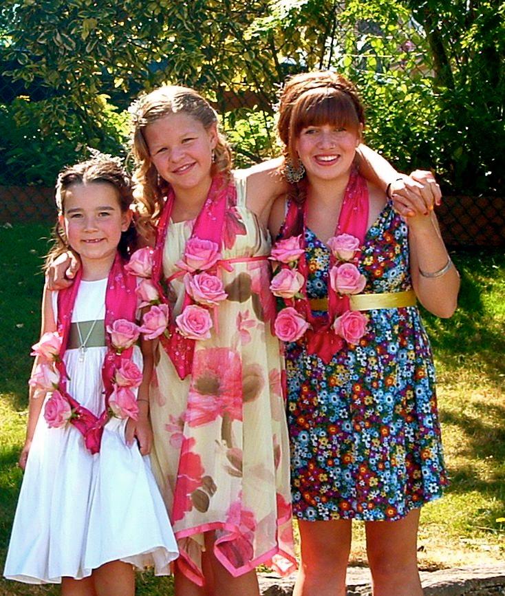 The Three Bass Sisters: Talia, Kate, & Morgan. Saturday, 11 July 2009. Wedding Photo by Carol Ernst.