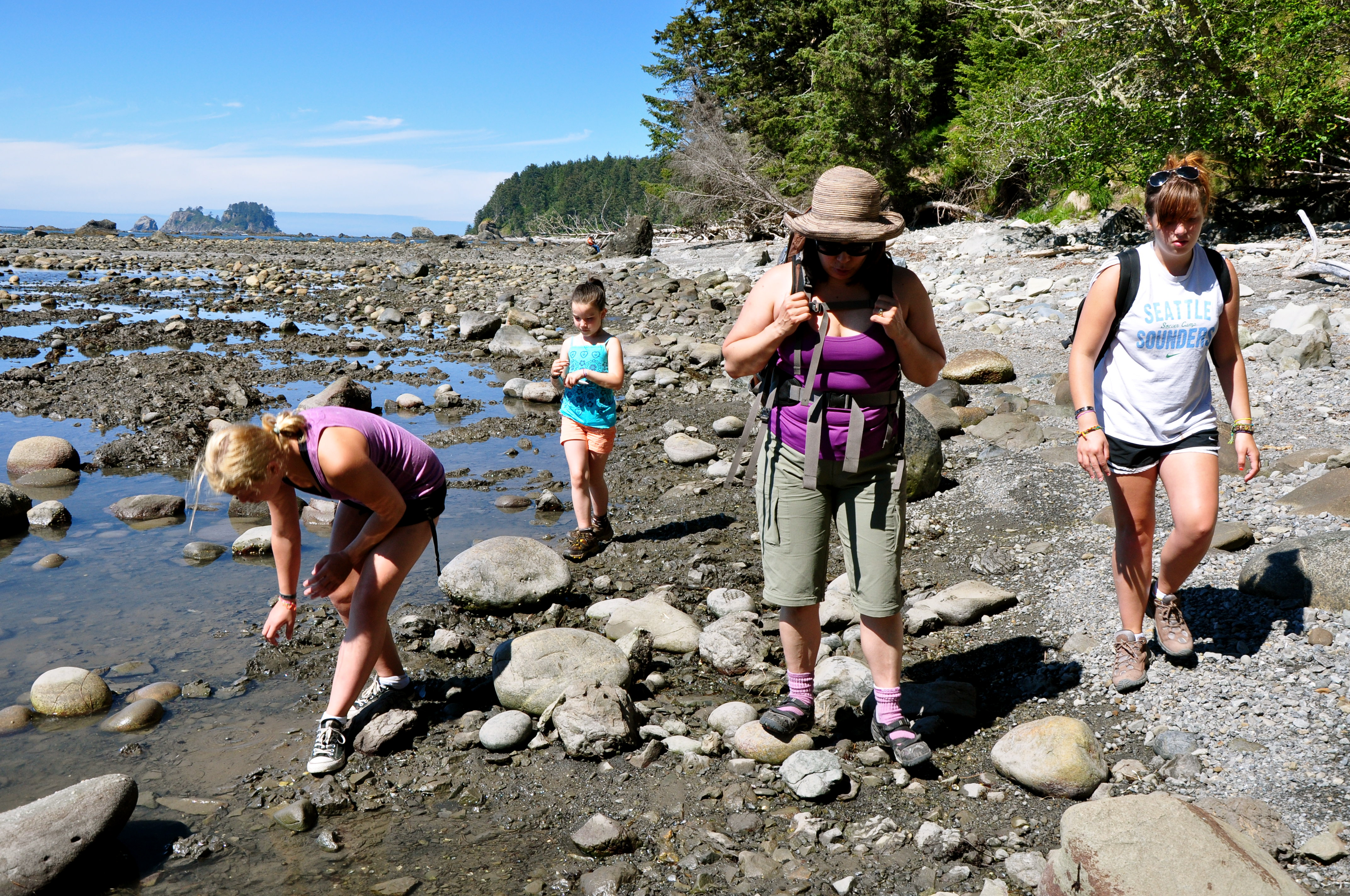 Family Hike on the Pacific Coast Ozette Triangle Trails, Olympic National Park. Friday 20 August 2010.