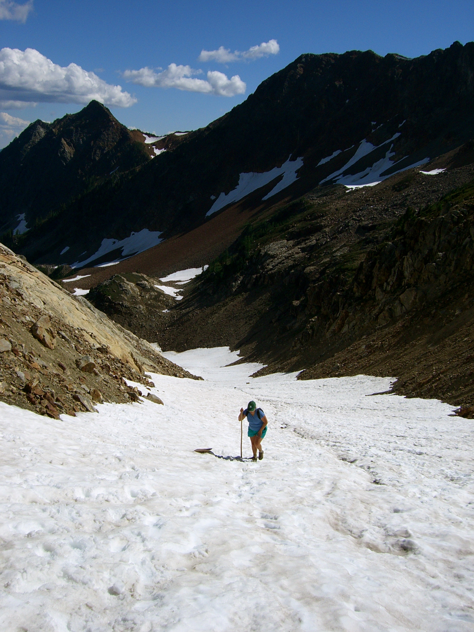 Kristina hiking up what's left of Spider Glacier towards the Gap. Saturday 12 August 2006. Foto by William Dudley Bass.